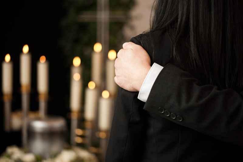 funeral-viewing at Oakdale Funerals Mooroolbark